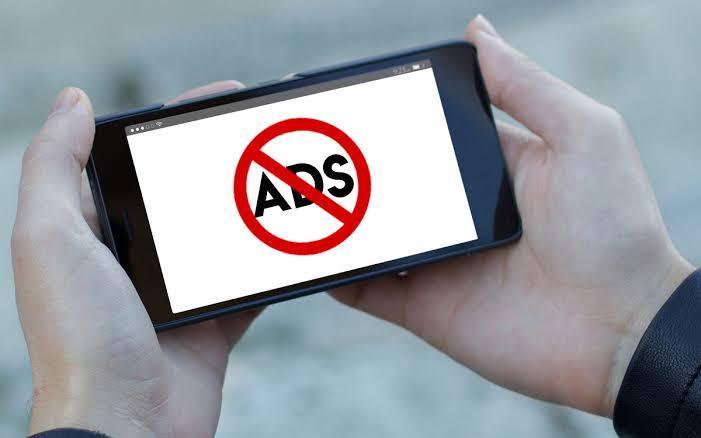 Gunakan aplikasi adblocker agar internet tidak lemot