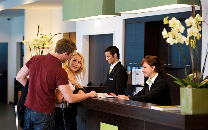 Tips menginap di hotel bersama pacar