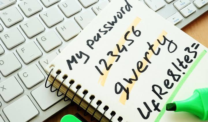 Hindari password umum yang sering di gunakan