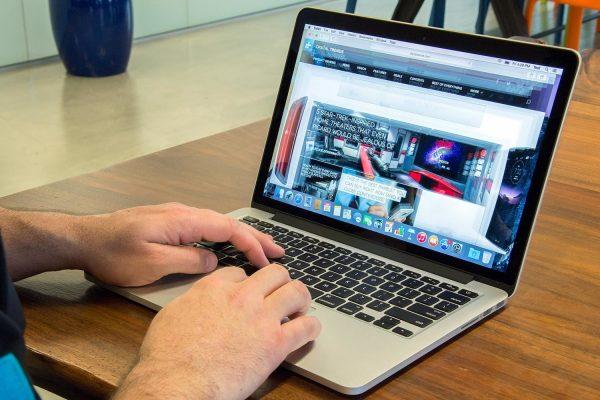 Share hasil screenshot laptop